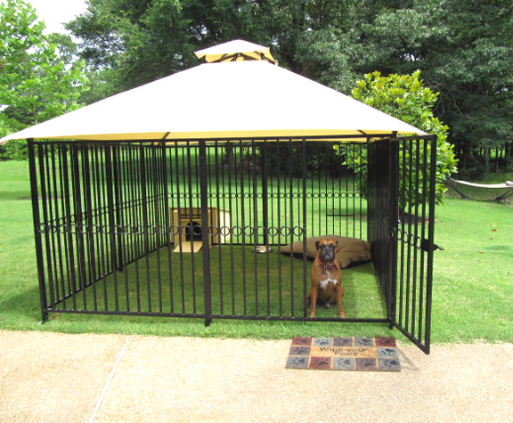 Dog kennels outdoor dog kennels metal dog kennels for Dog run outdoor kennel house